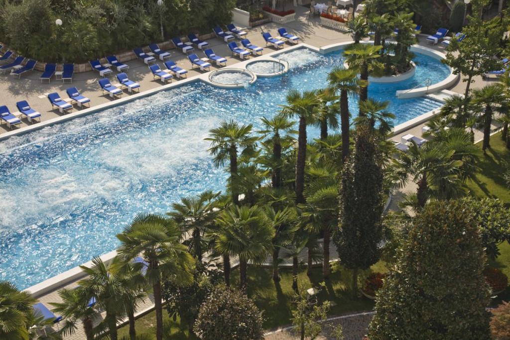 Piscina termale esterna alle Terme Euganee Grand Hotel Abano