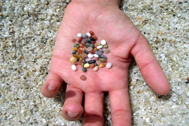 Sardegna rubata e depredata granelli spiaggia is arutas