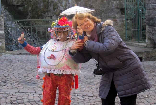 Al carnevale di Schignano con un piccolo Bell