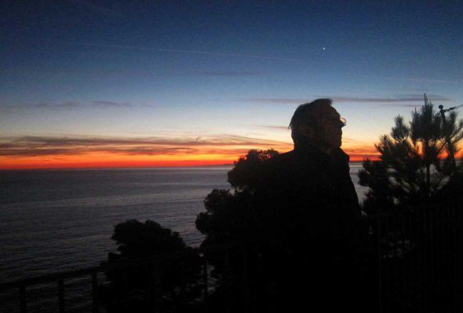 La Francesca: con il calare della sera il cielo si tinge di rosso