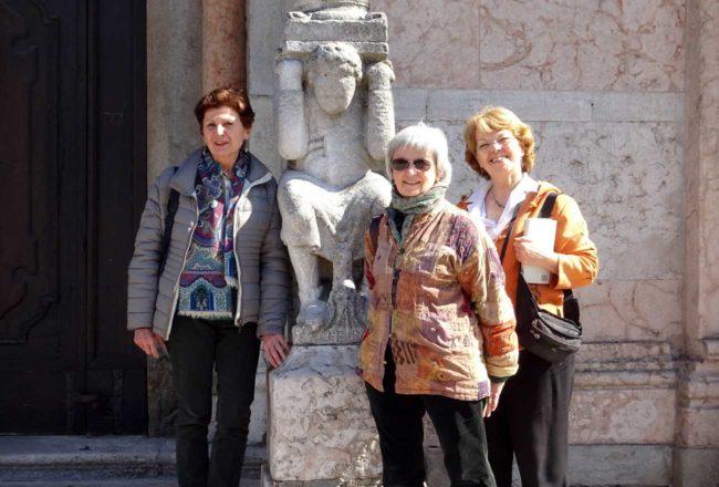 Ecco le mie amiche: Francesca , a sinistra, e Laura.