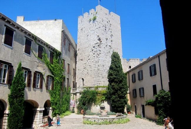 Duino il romantico castello di Rilke: torre antica
