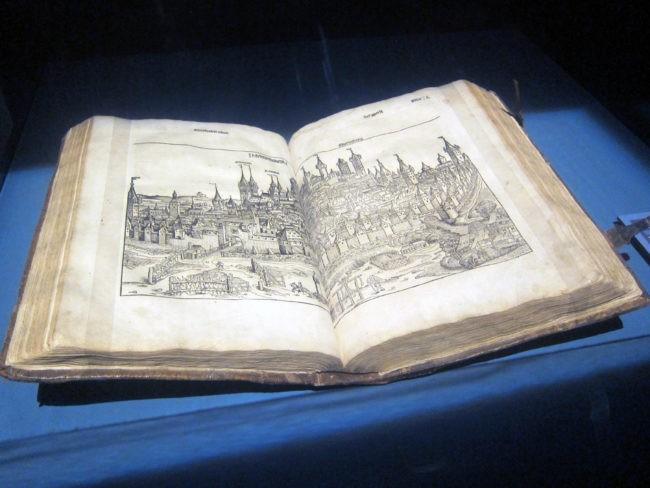 Veduta di Norimberga alla mostra su Dürer e il Rinascimento a Milano