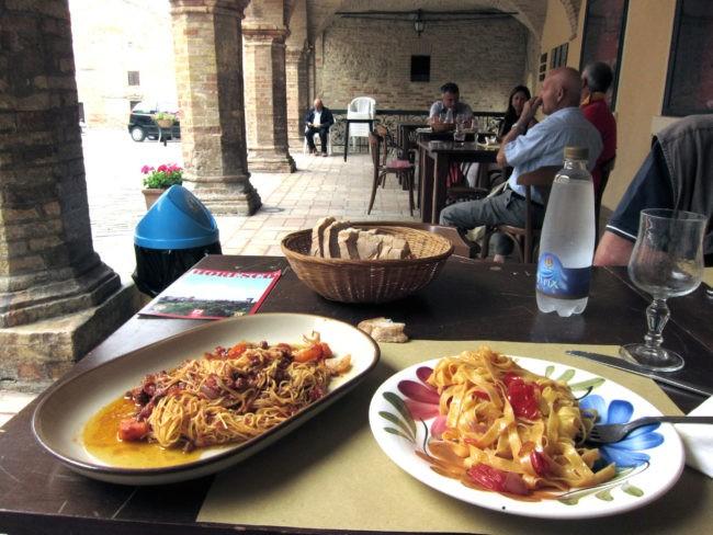 Maccheroncini di Campofilone in piazza a Moresco