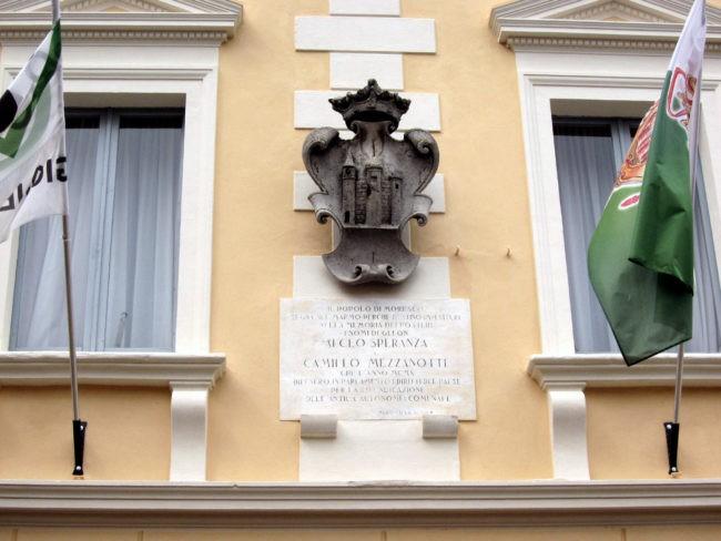Lapide in ricordo dell'indipendenza di Moresco