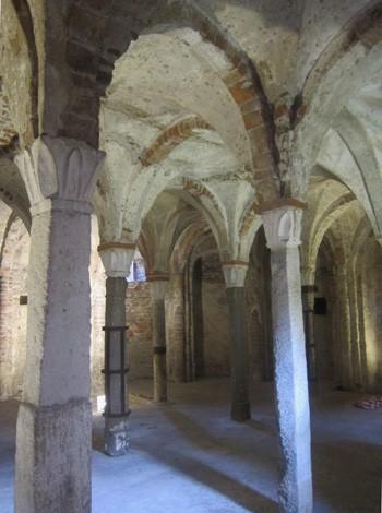 Colonne della cripta longobarda di Sant'Eusebio a Pavia