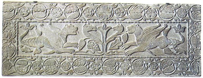 Pluteo con albero della vita e grifoni