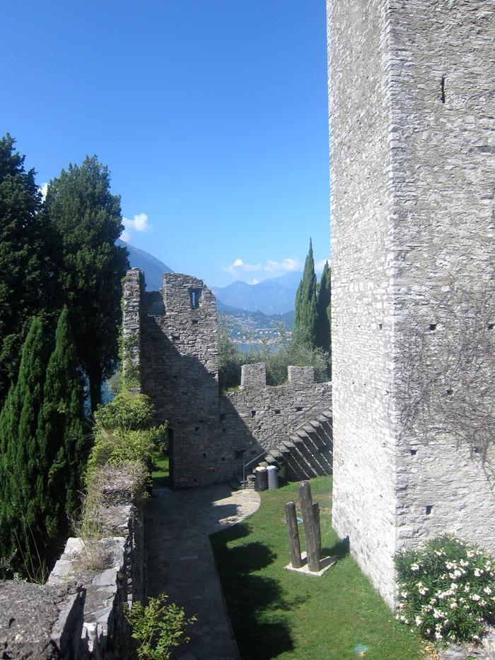 Castello di Vezio interno