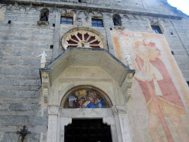 Opere all'esterno della Chiesa di Baceno