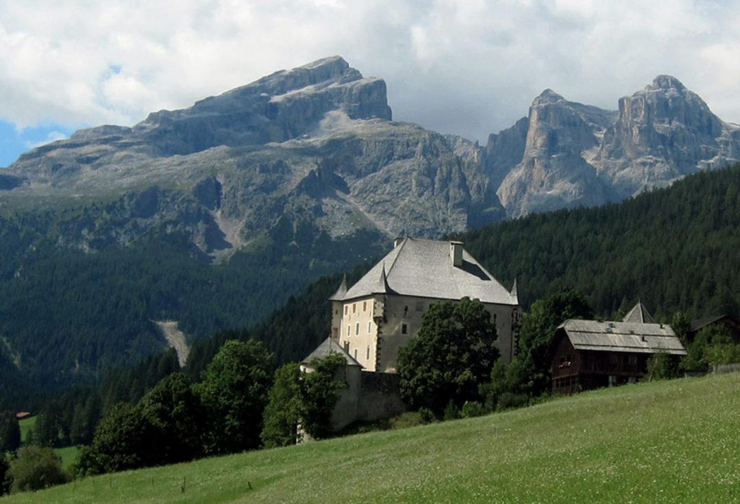 Castel Colz in Alta Badia: il cavaliere e il pittore - Vagabondi in ...