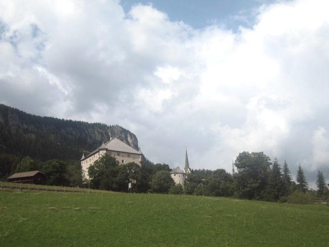 veduta di Castel Colz