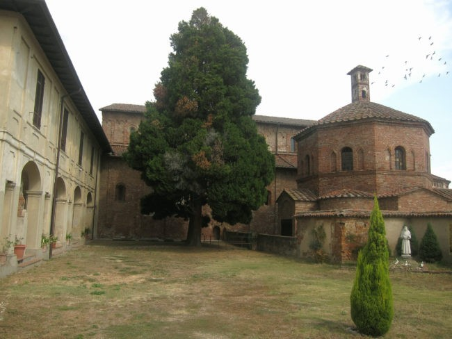 battistero basilica di Lomello
