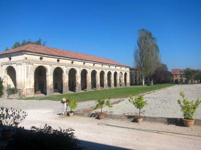 Villa Ca' Conti barchessa