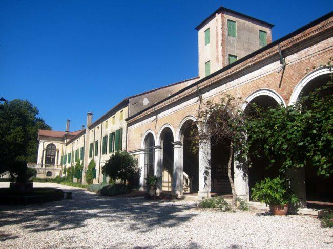 Villa Ca' Conti facciata interna