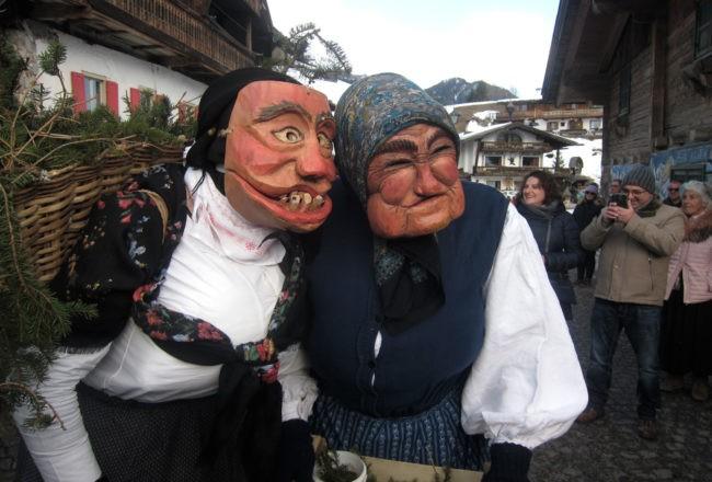 maschere di vecchie a sappada