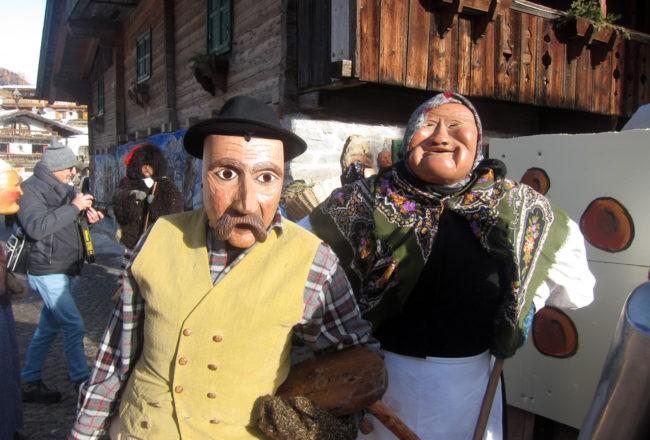 coppia contadini carnevale sappada
