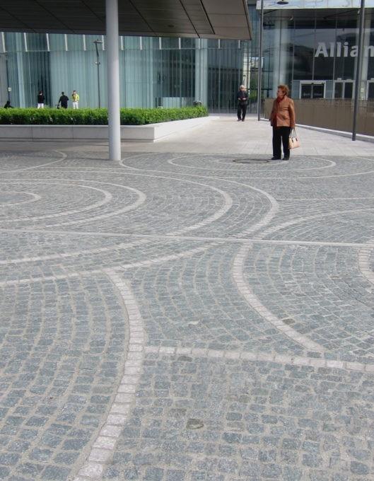 pavimentazione a sanpietrini a citylife milano
