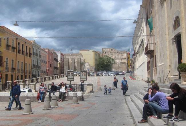 piazza palazzo di città cagliari