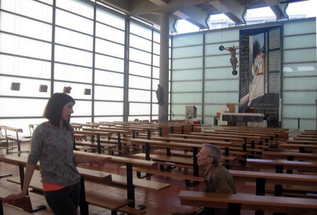 chiesa di vetro interno