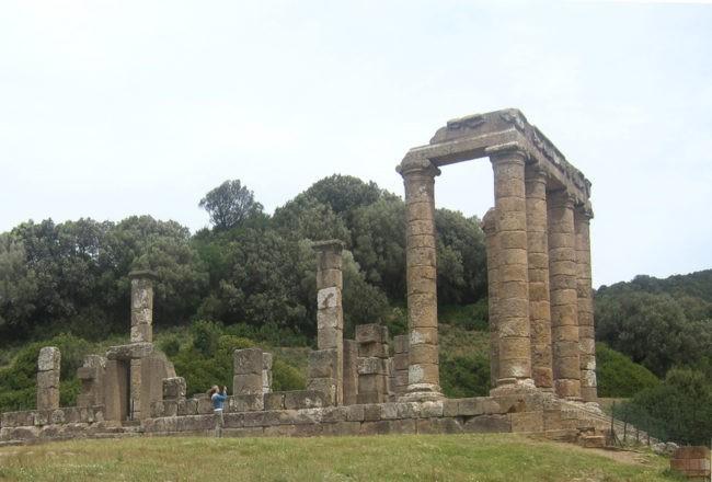 tempio di antas vista laterale