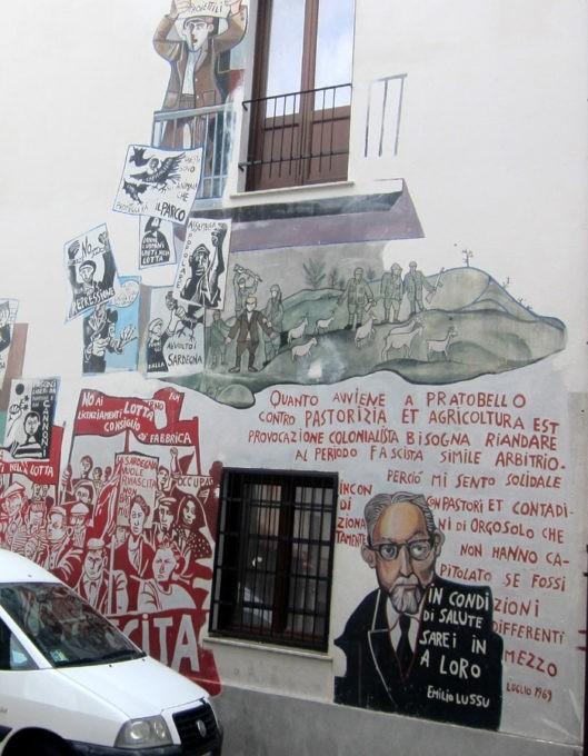murales con lotta di pratobello a orgosolo