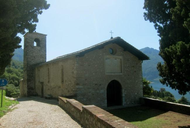 chiesa di san giorgio sul sentiero del viandante