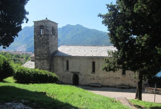 chiesa di san giorgio sentiero del viandante mandello