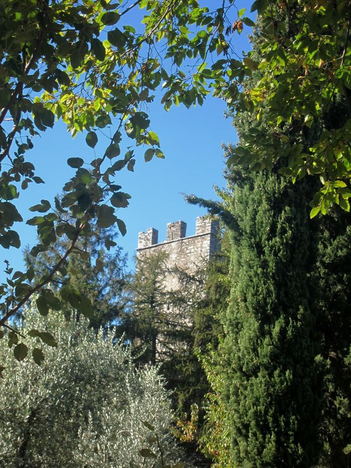 Una delle torri del Castello di Vezio